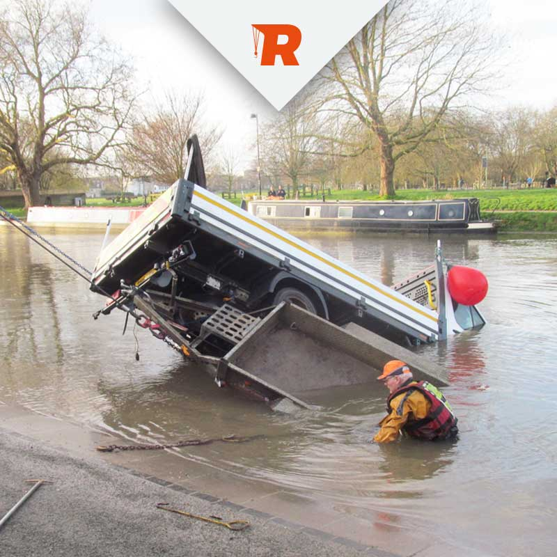Submerged Vehicle Recovery Services from Ratcliffe Cambridgeshire